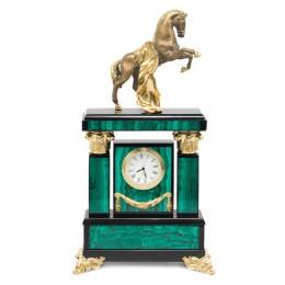 """Декоративные часы из малахита """"Боевой конь"""", высота 34 см"""