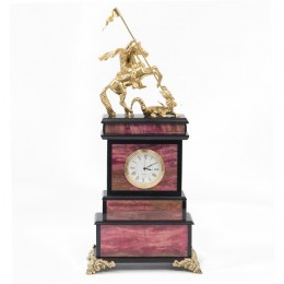 """Декоративные часы из родонита """"Георгий Победоносец"""", высота 32 см"""