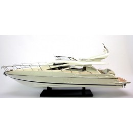 "Модель яхты ""Sunseeker Manhattan 60"" (масштаб 1:25), 92см"