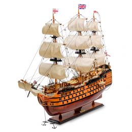 """Модель британского линейного корабля 1668г. """"HMS Victory"""""""