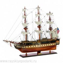 """Модель парусника """"USS CONSTITUTION"""""""
