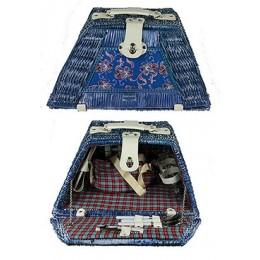 """Набор для пикника в плетеном чемодане """"Жаркий денек"""" на 2 персоны"""