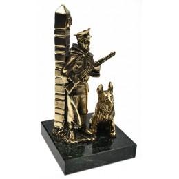 """Бронзовая статуэтка """"На страже"""" выс.14,5см"""