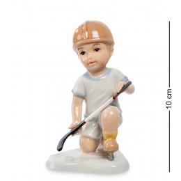 """CMS-12/33 Статуэтка Мальчик """"Игра в хоккей"""" (Pavone)"""